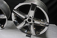 Dodge / Chrysler Aluminum SRT Wheel AFTER Chrome-Like Metal Polishing and Buffing Services / Restoration Services