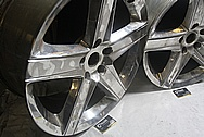 Dodge / Chrysler Aluminum SRT Wheel BEFORE Chrome-Like Metal Polishing and Buffing Services / Restoration Services