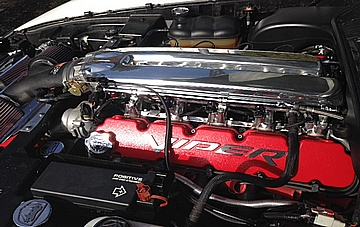 Robs 2006 Dodge Viper Engine Compartment AFTER Full Metal Polishing of V10 Aluminum Intake Manifold Completed