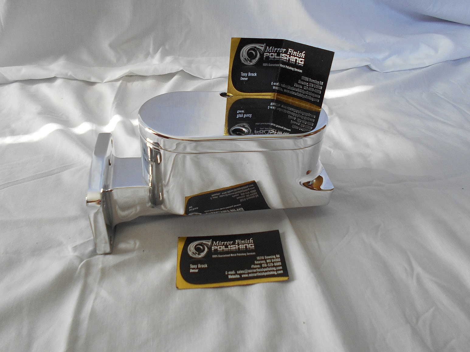 Aluminum brake fluid reservoir